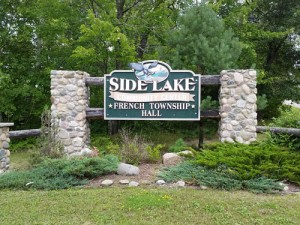 side-lake-community-center-sign